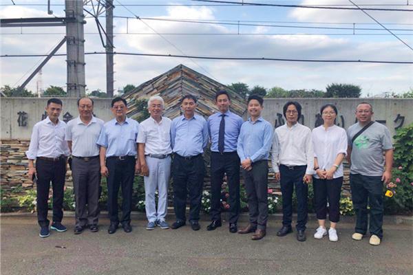 福寿园国际集团执行董事兼总裁王计生(左5)等一行赴日本考察.jpg
