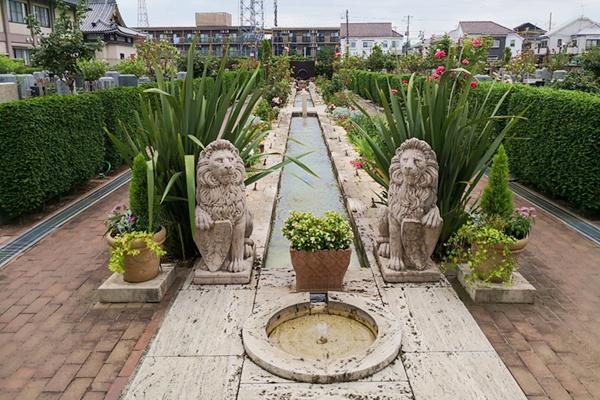 西班牙—阿尔罕布拉宫殿主题喷泉.jpg